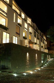 Calle Borgo Noche grupo de lomas verdes